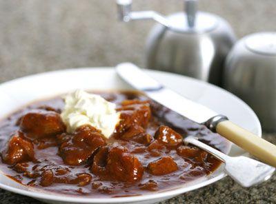 Een heerlijke winterse stoofpot, vol mediterrane smaken als sinaasappel, rozemarijn en knoflook