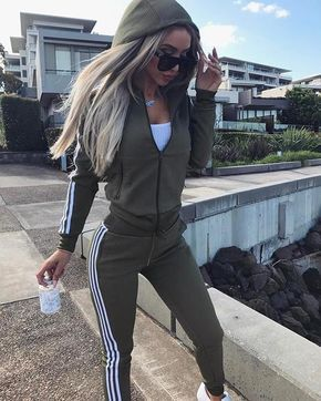 Women Tracksuit Zipper Jacket Top And Side Striped Pants