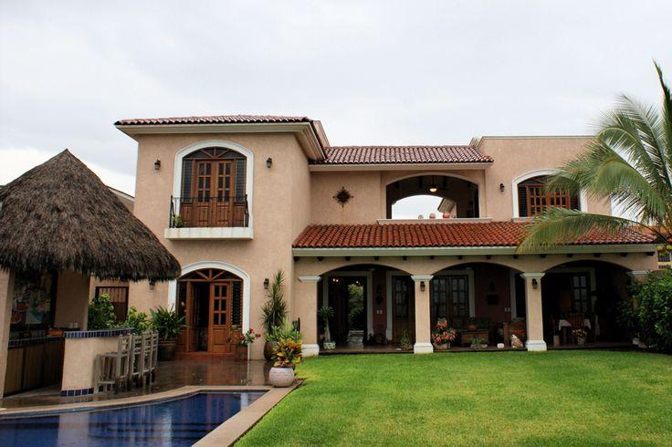 Best 25 fachadas de casas bonitas ideas on pinterest for Casas con fachadas bonitas