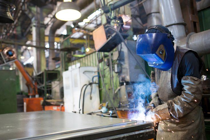 Things to Consider Before Hiring a Metal Fabricator – StackStreet