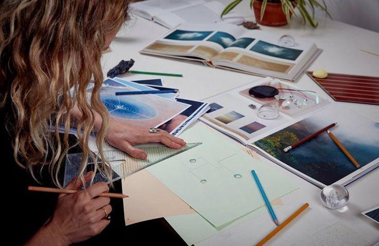 Cyanmeter by Marjan van Aubel - Swarovski's Designers of the Future Installation at Design Miami/ Basel 2017 ➤ Discover more luxury lifestyle news at www.covetedition.com @covetedition #covetedmagazine @covetedmagazine #luxurylifestyle #designmiami #basel #swarovski @swarvoski