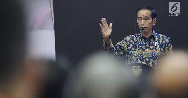 "Jakarta - Presiden Joko Widodo atau Jokowi geram melihat peredaran narkoba di Indonesia yang sudah memasuki kategori darurat. Jokowi meminta aparat keamanan tidak ragu menindak tegas pengedar narkoba meskipun sampai menembak mati. Beberapa waktu lalu kepolisian baru saja menggagalkan peredaran narkoba jenis sabu seberat 1 ton di Anyer Banten. Narkoba ini diketahui berasal dari Taiwan. ""Sudahlah tegaskan saja terutama pengedar narkoba asing yang masuk kemudian sedikit melawan sudah langsung…"