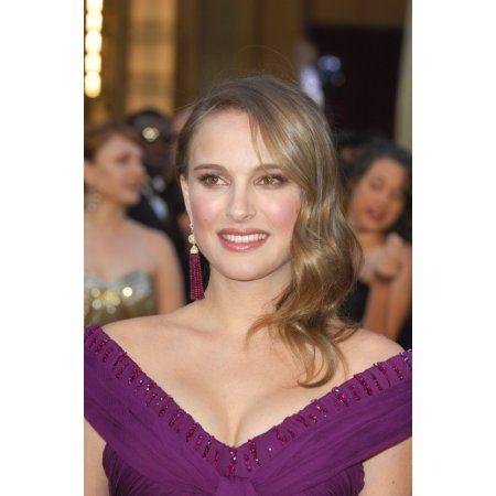 Natalie Portman At Arrivals For The 83Rd Academy Awards Oscars - Arrivals Part 2 Canvas Art - (16 x 20)