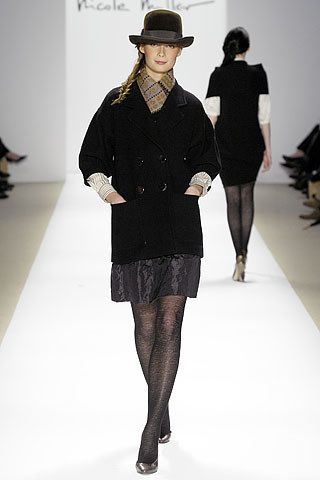 Nicole Miller Fall 2007 Ready to Wear Collection Photos   Vogue