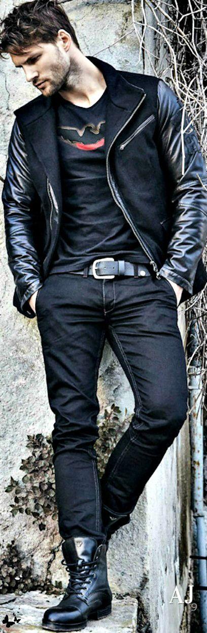 Armani Jeans fall 2014. Chaqueta  en lana negra y piel.Camiseta estampada. Jeans azules y combat boots.