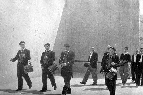 Txistulariak (danbolinteroak) Eibarren (1950. hamarkadan)