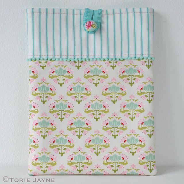 Pretty Ipad Case - free pattern & tutorial @ Torie Jayne