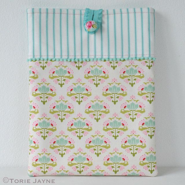 Pretty Ipad Case - free pattern & tutorial @ Torie Jayne