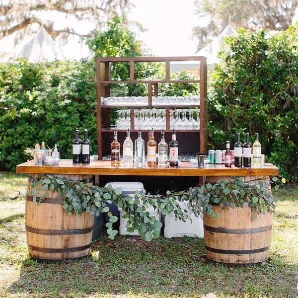 Hochzeit trinkt Tabelle. Eine großartige Idee, um…