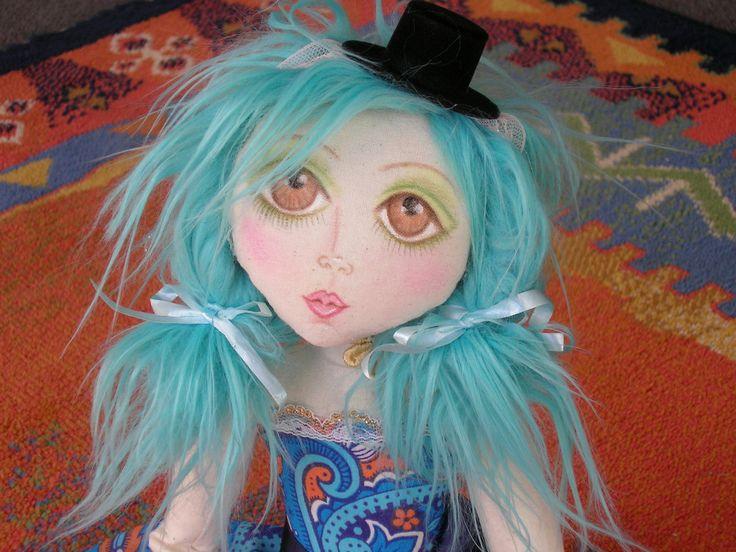 i was pretty happy with this dolls face-mazey #clothdoll #artdoll
