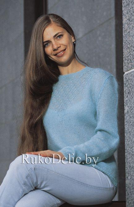 Мохеровый пуловер, связанный спицами