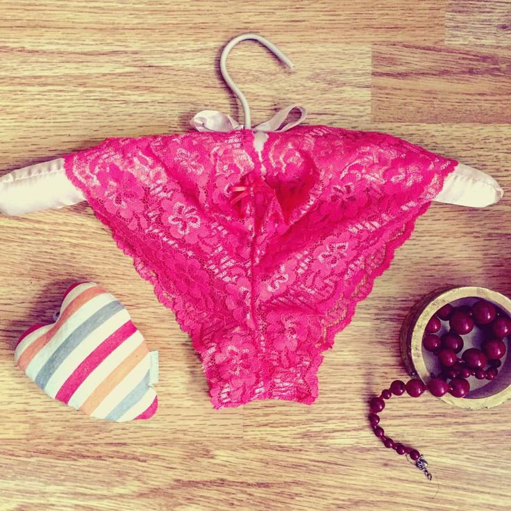 Uniconf » Spring essentials: colorful lingerie, love and pretty accessories!