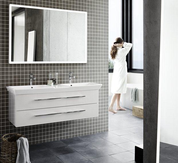 Dansani badkamer: Exclusieve badkamermeubels van houtfineer en gelakte oppervlakken. Ambachtelijk vakmanschap om ieder dag opnieuw van te genieten.
