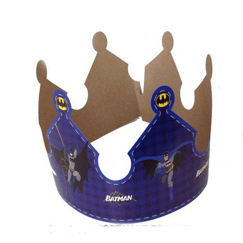 Batman TaçBatman Karton Taç Ürün ÖzellikleriÜrün Paketinde 6 Adet Taç bulunur.Karton Taç Kaliteli ve canlı baskıdır.Batman temalı taçlar kartondan üretilmiştir.Çocuğunuza ve gelen arkadaşlarına hediye edebilirsiniz.