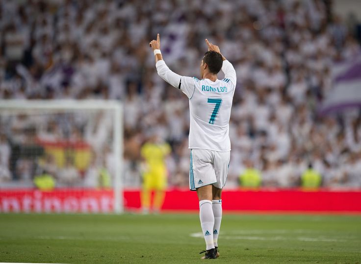 Cristiano Ronaldo Photos Photos - Cristiano Ronaldo of Real Madrid CF celebrates after scoring his teamÕs 2nd goalduring the Santiago Bernabeu Trophy match between Real Madrid CF and ACF Fiorentina at Estadio Santiago Bernabeu on August 23, 2017 in Madrid, Spain. - Real Madrid v Fiorentina