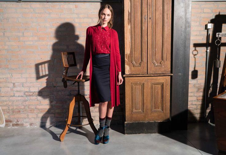 Tocchi di eleganza e femminilità. 👑  #LFDL #laFABBRICAdelLINO #Outfit #LuxuryStyle #Autunno2016 #Inverno2017 #Fashion