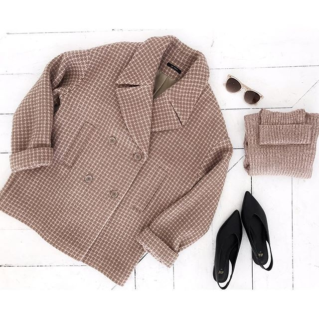 Двубортное пальто в клетку в бежевых оттенках от Jana Segetti  #janasegetti #fashion #style #flatlay #inspiration #outwear