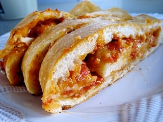 Pizza Bread: Pizza Bread, Chocolates, Pizza Sticks, Food, Breads, Yummy, Appetizer, Chocolate Therapy, Favorite Recipes