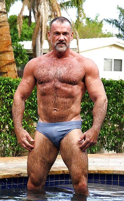 Horny Papa Dans Sexy Speedo Horny-Dadstumblrcom  Beefy Men-9754