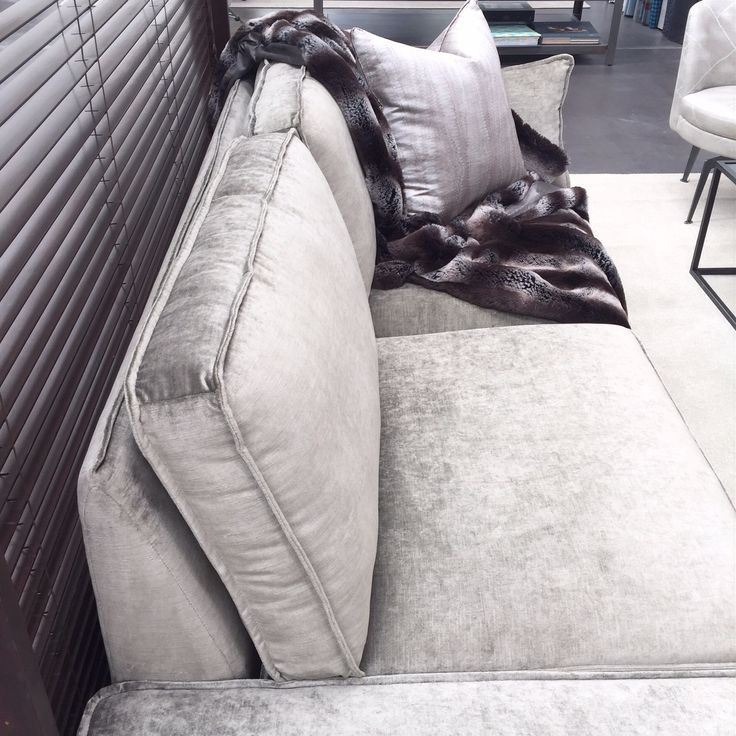 Beautiful sofa. Seeing new collections in Auckland. ScX