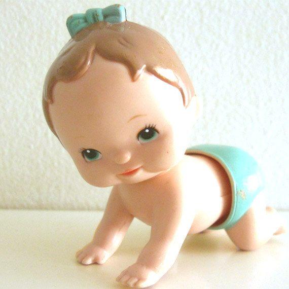 Vintage Wind up Toy 1970s Tomy Crawling Baby van ismoyo op Etsy
