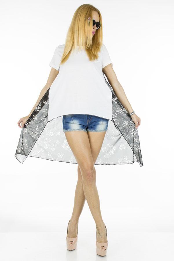 Bluza Dama Dandelion  -Bluza dama cu imprimeu cool  -Taietura asimetrica  -Material lejer, ideal pentru sezonul cald     Lungime fata: 53cm  Lungime spate: 90cm  Lungime colt: 115cm  Compozitie: 100%Bumbac