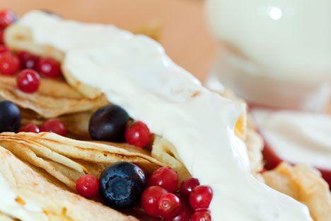 ロシア語でスメタナと呼ぶサワークリームは、ロシア料理の主要な食材の一つである。それはヨーグルト状のペーストで、その名が示す通りクリームあるいは牛乳から作られたものだ。