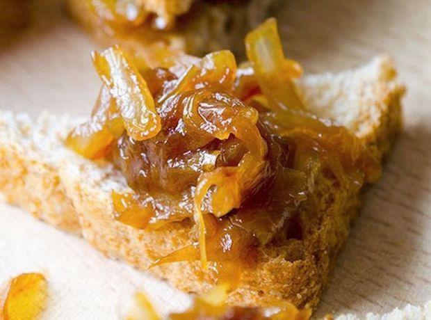 Πως να φτιάξεις τέλεια καραμελωμένα κρεμμύδια - Food   Ladylike.gr