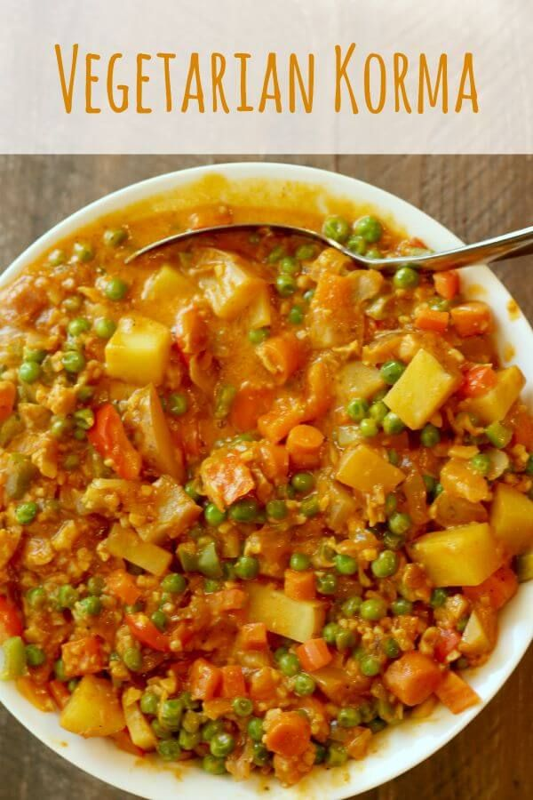 Vegetarian Korma Recipe (Paleo) - SOOO yummy!! I've been trying to make more vegetarian recipes, so this is great!