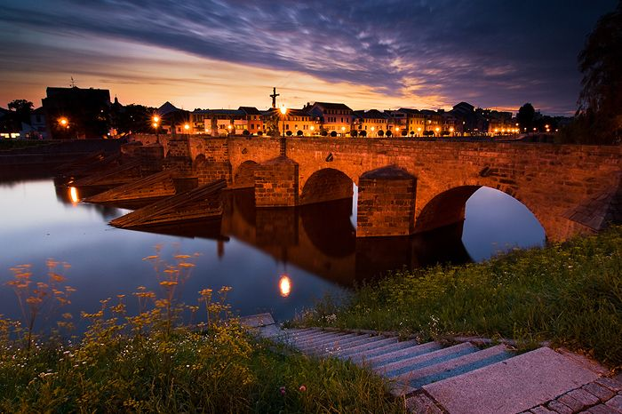 pisek personals A small town with a royal history shows off its grand stone bridge and world-class film school.