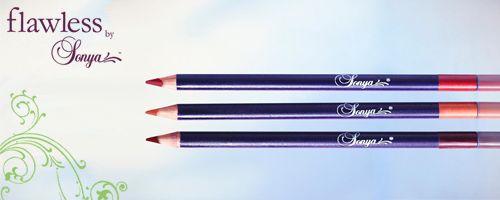 De Defining Lip Pencil is ontworpen om de natuurlijke vorm van de lippen te verfraaien. Het potlood is mooi van textuur, zacht voor de lippen en omhult met een plastic hulsje. Het is verkrijgbaar in drie kleuren die perfect samengaan met de Delicious Lipsticks en de Luscious Lip Colour Collection.