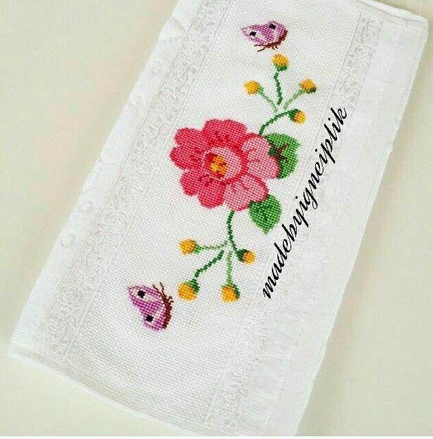 İnstgram / madebyigneiplik / crossstitch towel