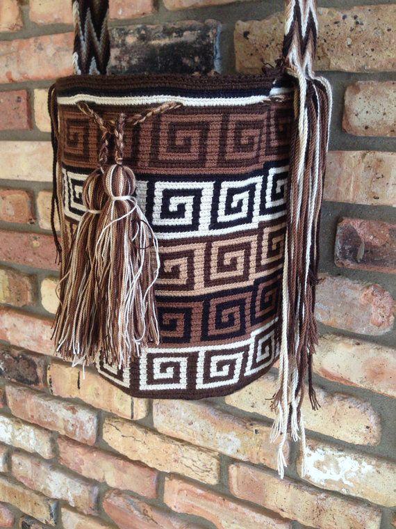 Wayuu Mochila bag geometric motif