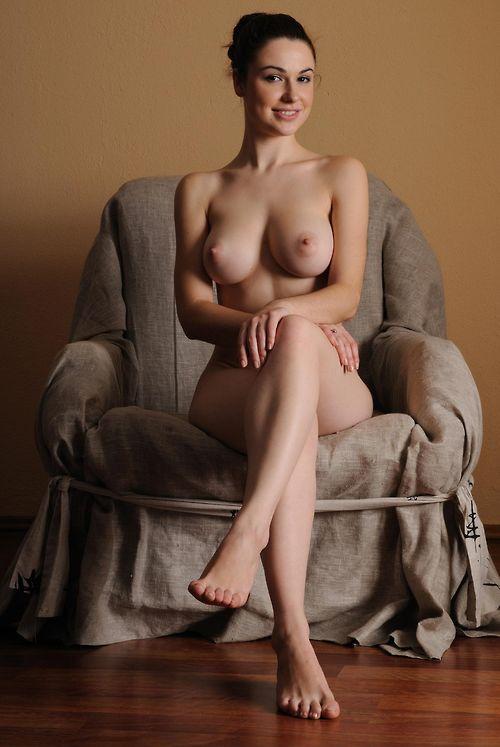 beautiful curvy erotic drawn nudes