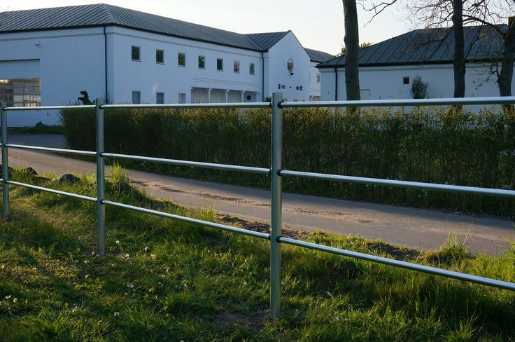 SILBER electric fence at Tailormade Horses Denmark. Luxurious!