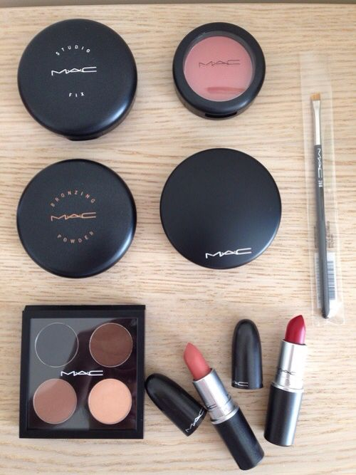 Discount Mac Makeup Cosmetics Wholesale Outlet Sale $1.9 for gift when you repin it.