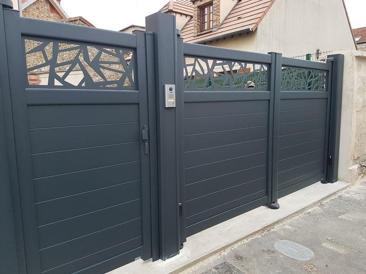 Installation A Acheres D Un Portail Motorise Et D Un Portillon Avec Gache Electrique Visiophone Aiphone House Gate Design Garage Door Design Gate Wall Design