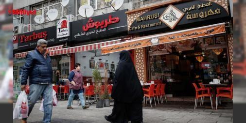 İstanbuldaki Küçük Suriye! : Suriye dışındaki en kalabalık Suriyeli kenti İstanbulda savaştan kaçanların en çok iş yaptığı bölgeler Aksaray ve Yusufpaşa.Aksaraydan Topkapıya ilerlerken gözünüzü nereye çevirseniz Arapça yazılı restoranlar seyahat ofisleri emlakçılar görmek mümkün.Amerikan Associated Press haber ajansı ya...  http://www.haberdex.com/turkiye/Istanbul-daki-Kucuk-Suriye-/100589?kaynak=feed #Türkiye   #İstanbul #Aksaray #Suriye #seyahat #ofisleri