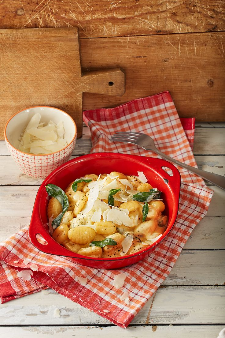 Gnocchi in Parmesan-Salbei-Sauce