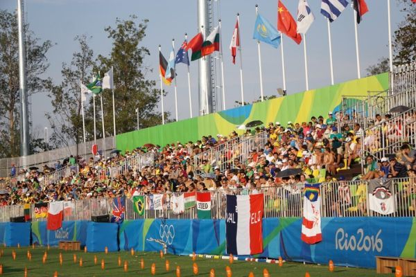 The Deodoro Stadium crowd for modern pentathlon (ATR)
