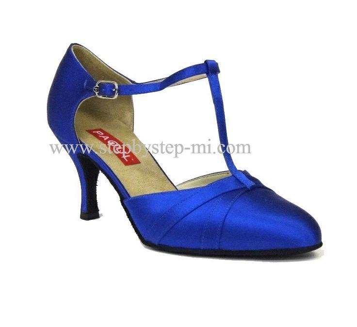 scarpa chiusa in raso blu, suola in bufalo, tacco 70#stepbystep #ballo #tango #liscio #scarpedaballo #danceshoes #cute #design #fashion #shopping #shoppingonline #glamour #glam #picoftheday #shoe #style #instagood #instashoes  #instaheels #stepbystepshoes #cute #ballroom