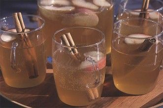Ingredients  1 litre carton of apple juice  Few slices of lemon  2 small apples, cored and sliced  Few cinnamon sticks  1 litre bottle of American ginger ale  Method  Pour the apple juice into a large pan, add the lemon, apple slices and cinnamon sticks and heat gently.