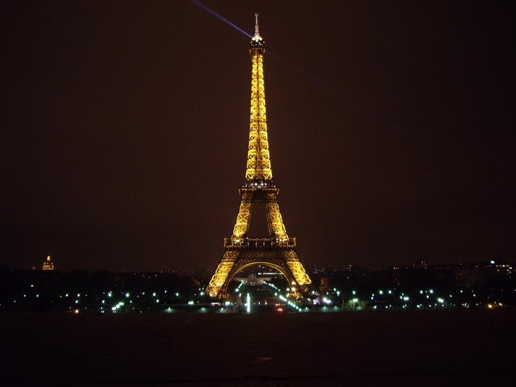 Paris: Paris, Pictures