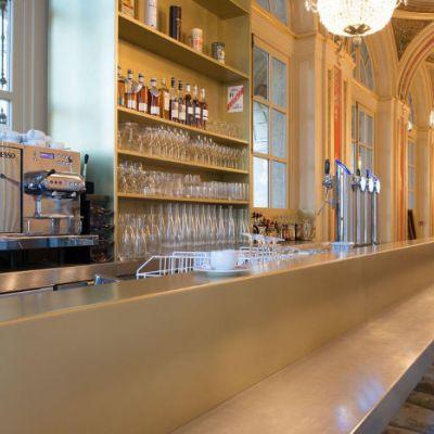 Comptoir en Etain et Laiton pour la Brasserie de Philippe Etchebest à Bordeaux