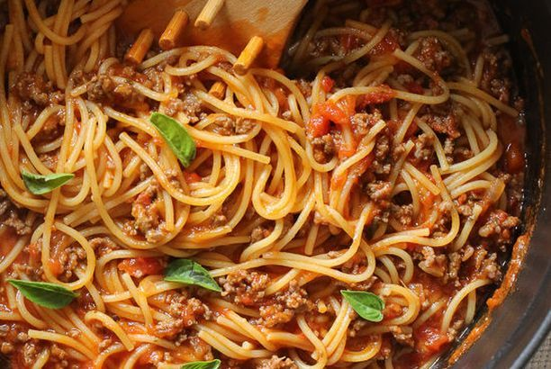 One-Pot Spaghetti and Meat Sauce (Stove-Top recipe)