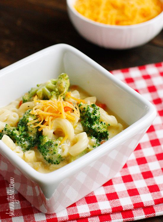 Skinny Macaroni and Cheese Soup with Broccoli