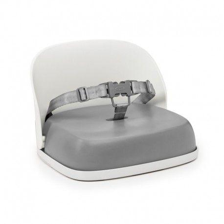Oxo Tot Stoelverhoger Grijs  Deze stoelverhoger kan je zowel thuis als op verplaatsing gebruiken voor kindjes vanaf 18 maanden.