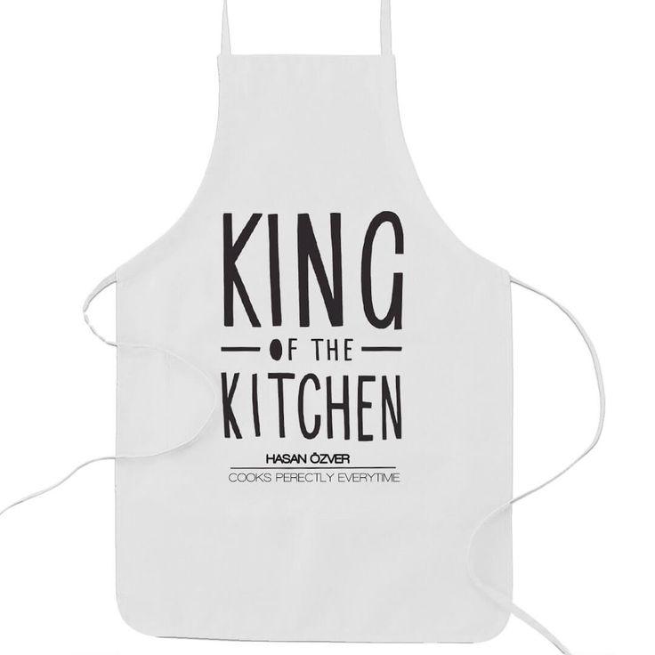 King Mutfak Önlüğü Kişiye Özel İsim Baskılı Bir Modeldir. Üstünde King Of The Kitchen - Mutfağın Kralı yazmaktadır. https://hediyelove.net/king-mutfak-onlugu WhatsApp Sipariş  0553 803 16 93