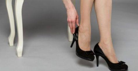 Ένα τέλειο και πανεύκολο κόλπο. Αγόρασες ένα υπέροχο ζευγάρι παπούτσια και ανυπομονείς να τα φορέσεις με το αγαπημένο σου φόρεμα. Έκανες κάποιες δοκιμές αλ
