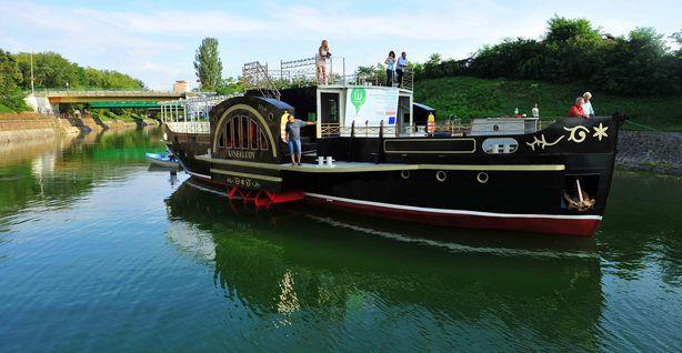 Újra a vízen a Balaton első gőzhajója  Olvass tovább: http://www.tarka-hirek.hu/